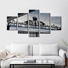 Wall Art ผ้าใบ 5 ชิ้น Youll Never Walk Alone ภาพวาดลิเวอร์พูล FC Club Store Pictuers สีดำและสีขาว Living room Home Decor