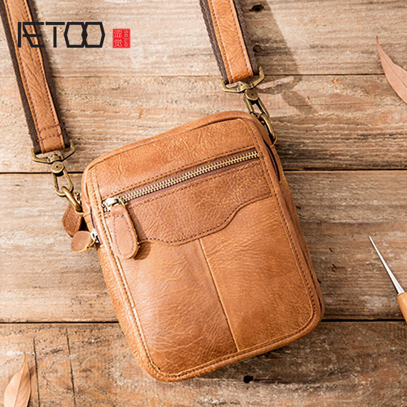 AETOO Messenger Bag Men Shoulder Bag Male Genuine Leather Men s bags Man Small Flap Casual