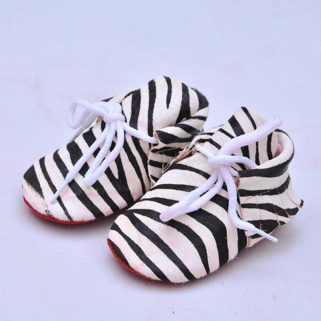 As vendas no atacado sapatos de Bebê Primeira Caminhantes Camurça crina de Cavalo de Couro Genuíno Mocassins De Couro Do Bebê sapatos fundo Macio newborn Bebe