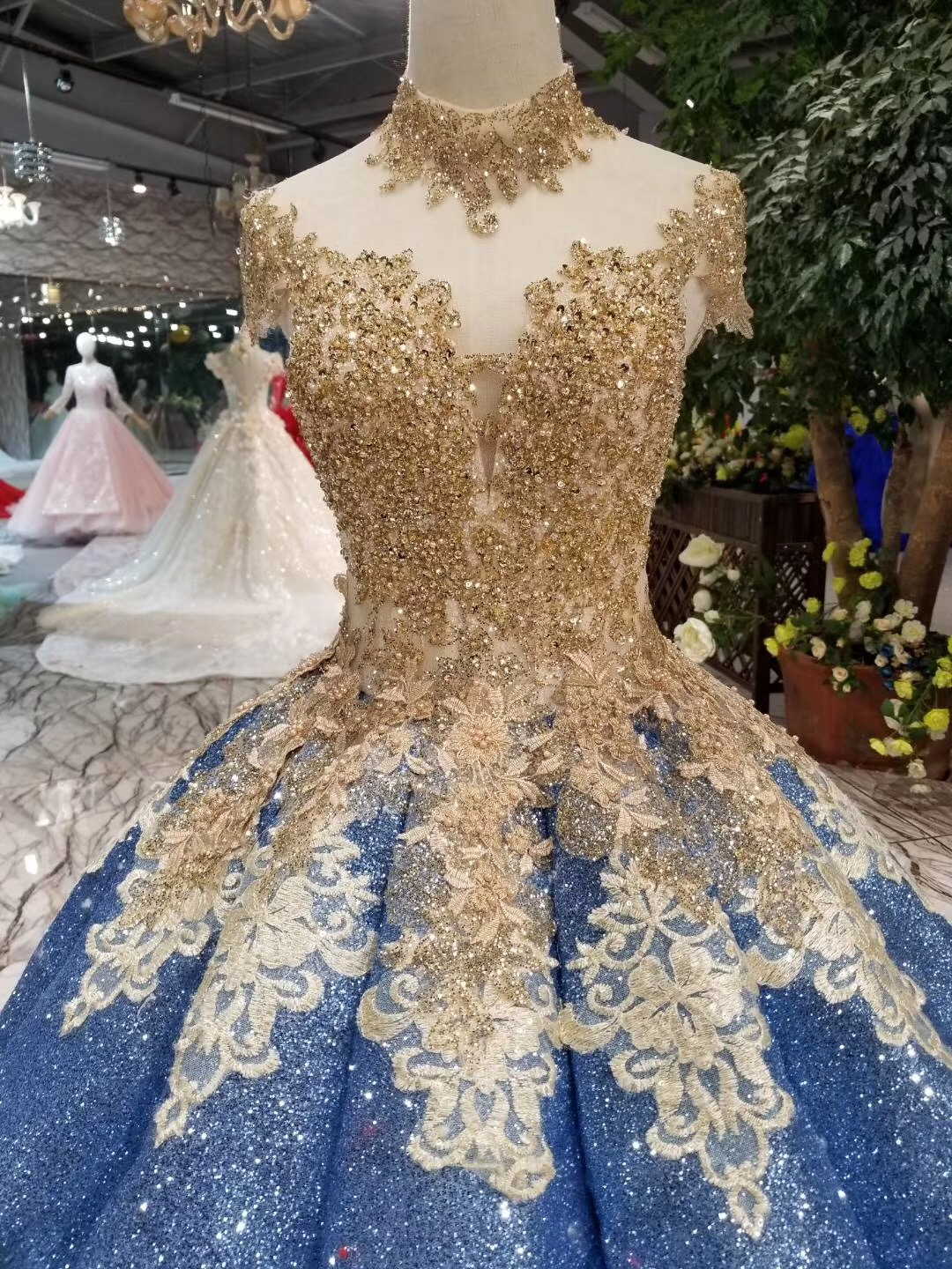 2019 New Style Glitter Ball Gown Lebanon Crystals Lace Prom Dresses Arabic  Puffy Party Dress Dubai Evening Dress Robe De Soiree-in Prom Dresses from  ... 4143ef48728d