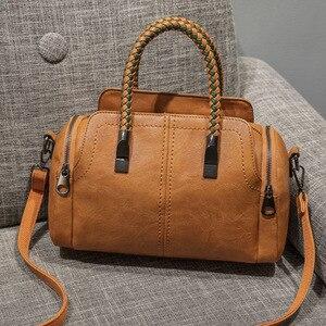 Европейская новая женская сумка-тоут в стиле ретро, Женская Бостонская сумка, женские кожаные сумки-мессенджеры с заклепками, винтажная сум...