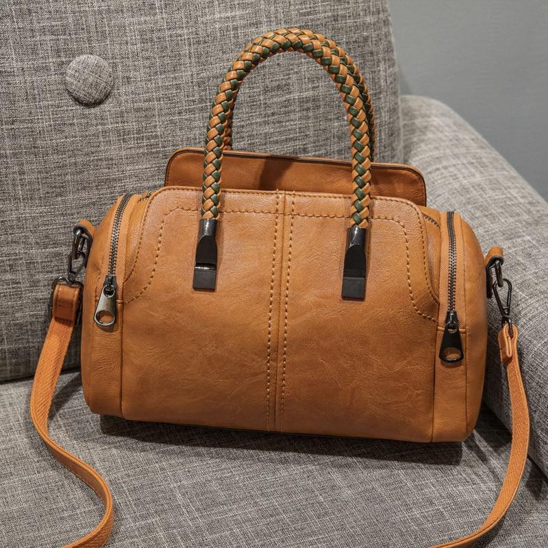 European New Retro Women Tote Bags Women Boston Handbag Rivets Women  Leather Messenger Bags Pillow Shoulder Bag Vintage C809