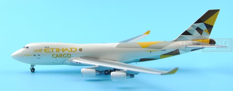 GeminiJets GJETD1477 B747-400F 1:400 Etihad Airways commercial jetliners plane model hobby gjcca1366 b777 300er china international aviation b 2086 1 400 geminijets commercial jetliners plane model hobby
