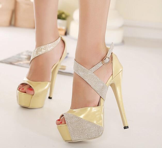 Zapatos Tacon Alto Dorados