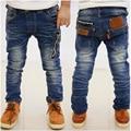 Мальчики Моды джинсы детская одежда 2017 Весна Осень Случайные Тонкий Голубой Эластичный Пояс Прямые детей брюки