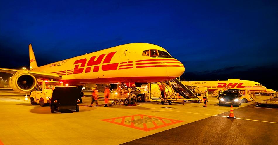 DHL-plane950