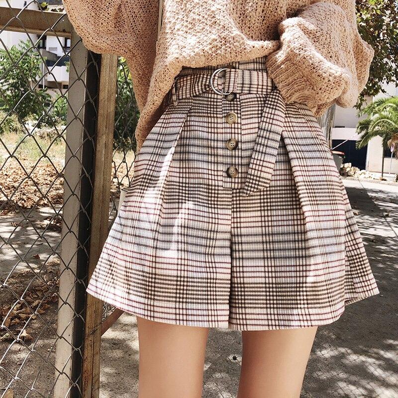 Mishow 2019 Fashion Autumn Winter Women High Waist Straight  Plaid Casual Elastic Waist  Lattice Loose Short MX18C2448