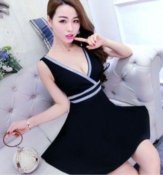 New sexy cross hollow design striped slim slimming large dress black deep V-neck highlights knee-length dress breathable soft