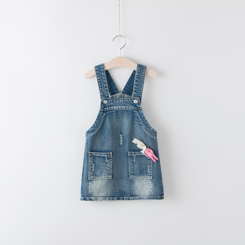 Retail WeaStern Style Baby Girls Cotton Jeans Sand washing Overalls Kids Casual Dresses With Lovely Rabbit Brooch Princess Child retail baby girls