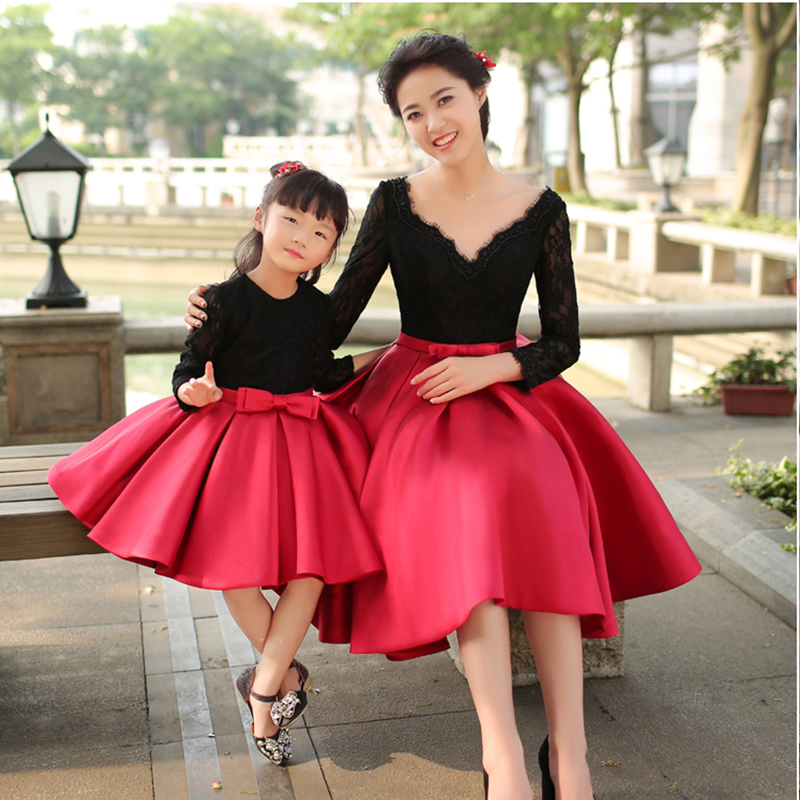 Family Matching Outfits Mom and Daughter Long Sleeves Black Red Dress Children Princess Skirt Photo Studio Photographic Clothes pink lace up design long sleeves top and pleated design skirt two piece outfits