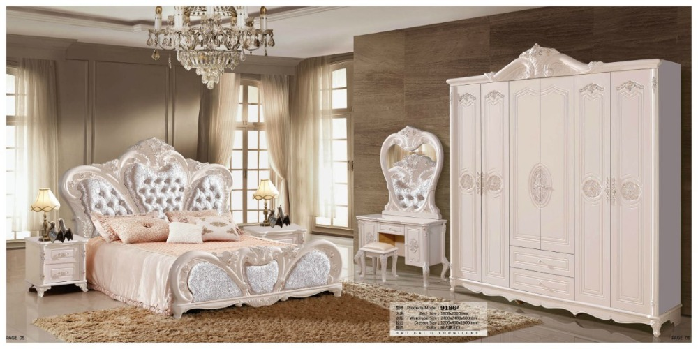 modern european solid wood bed Fashion Carved  leather  french bedroom set furniture king size HC0095modern european solid wood bed Fashion Carved  leather  french bedroom set furniture king size HC0095