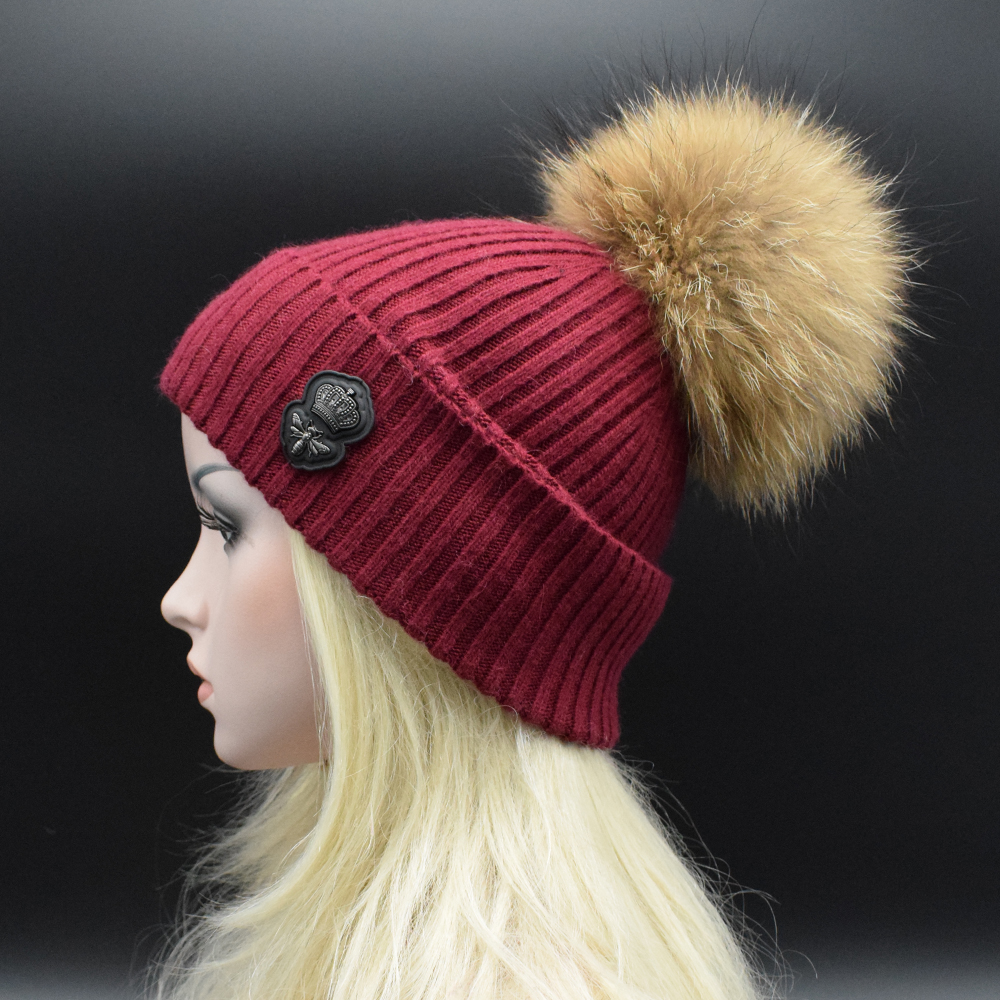 2017 New Wool knitted hat fashion Women big Real Raccoon Fur pom pom Caps Crochet Hats For Women Winter Casual Cap Women Beanies конструктор bauer стройка 50 деталей