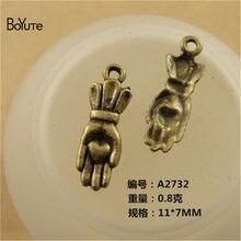 Boyute (100 peças/lote) 11*7mm bronze antigo chapeado liga de zinco coração mão encantos para fazer jóias acessórios diy artesanal
