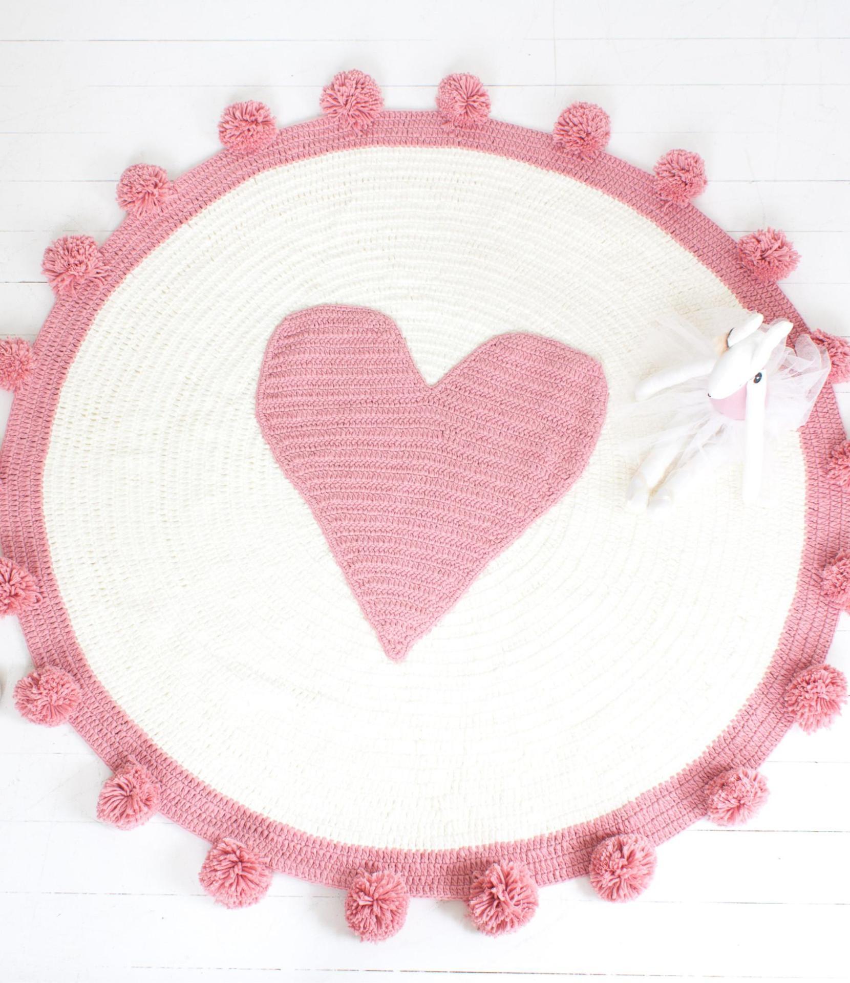 Tapis tricoté rose en forme de coeur tapis rond en coton doux pour enfants