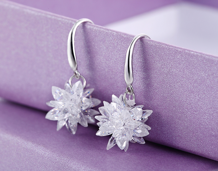 Fashion 925 sterling silver AAA Crystal Earring Ice Snowflake Design Flash High Quality Earrings For Women silver Jewelry