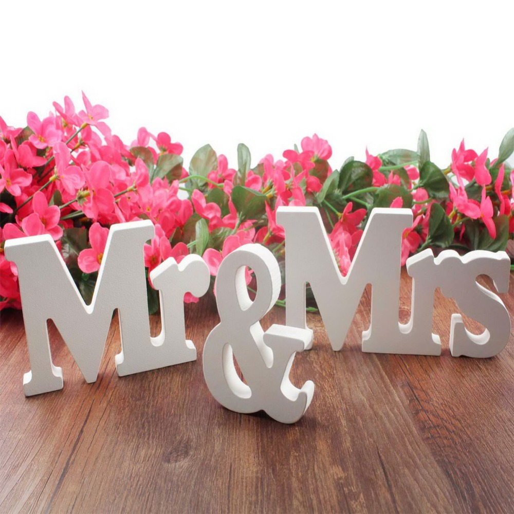Romantic table decorations for birthday - 1 Set Vintage Mr Mrs Wooden Letters For Wedding Decoration Sign Top Table Present Decor