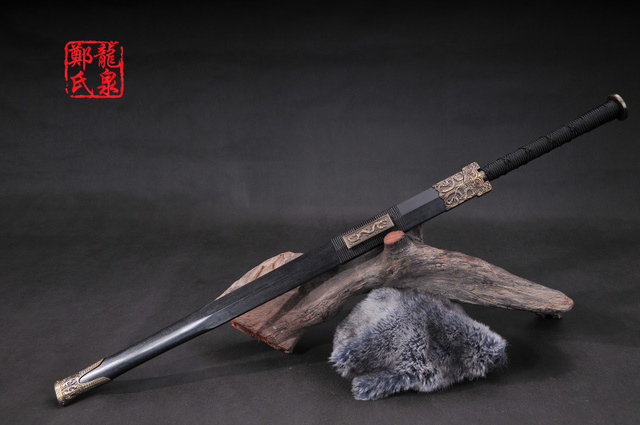 Cold Steel Chinese Han Dynastic Straight Sword Antique Bronze Hand Metal Craft Rose Wooden Scabbard Sharpness Supply