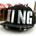 Корейский Silver King Письмо Бейсболки Заклепки Панк Хип-Хоп Snapbacks Шляпы Мужчины Женщины Регулируемая Холст Панели Рога Casquette