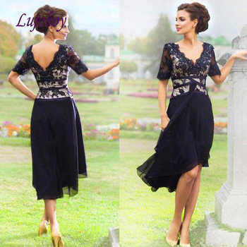 Lace Knee Length Mother of the Bride Dresses Plus Size for Weddings Godmother Groom Dinner Dresses Gowns
