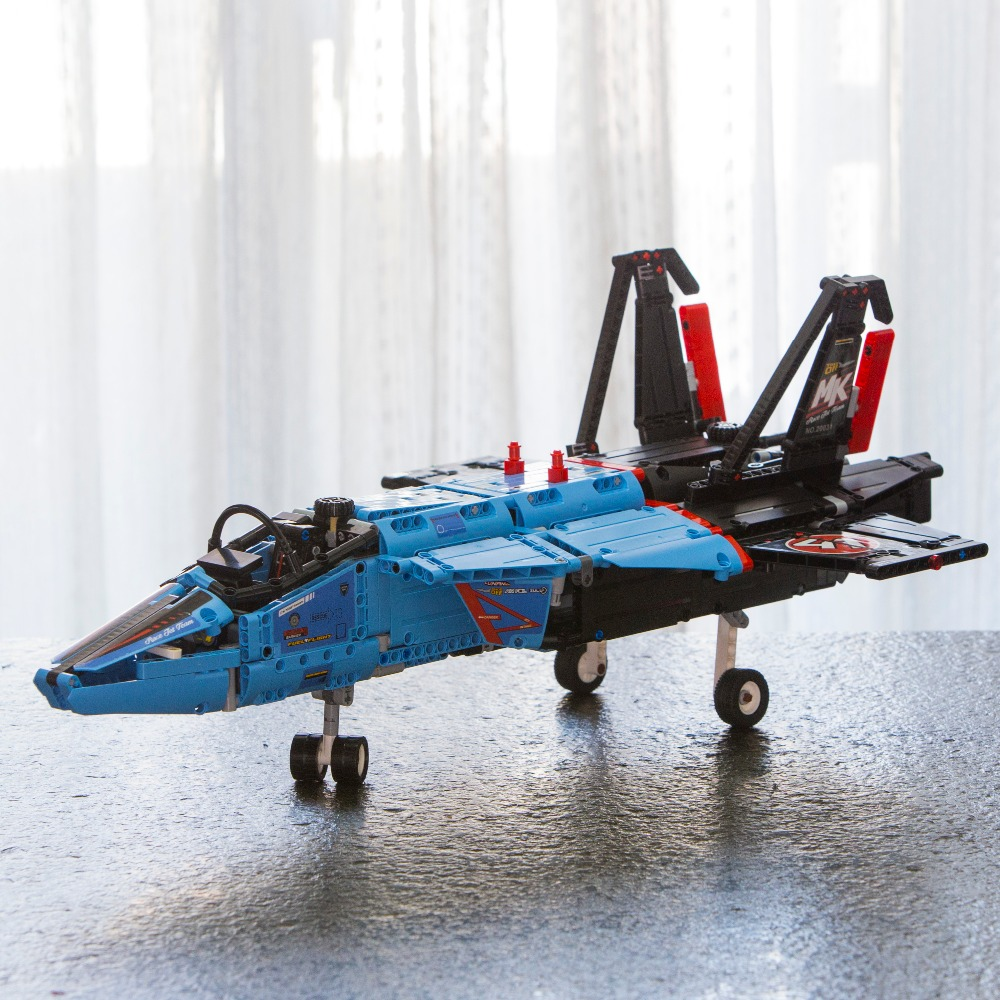 Legoed 42066 Lepin 20031 Technic AIR RACE JET Aircraft Building Blocks Bricks with Electric Motors Power Functions Model 1151PCS lepin legoing 42066 1151pcs technic series the air race jet model building blocks bricks gifts toys compatible 20031