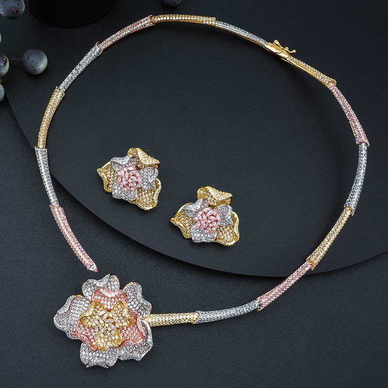 MoonTree moda luksusowe kwiat luksusowe 3 Tone dżetów naszyjnik kolczyk pierścień bransoletka dubaj biżuteria ustaw biżuteria w Zestawy biżuterii od Biżuteria i akcesoria na  Grupa 3
