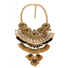 Detachable Collares ZA 2016 Luxury Flower Necklace Gold Silver Crystal Chunky Statement Necklace Perfume Women Accessories