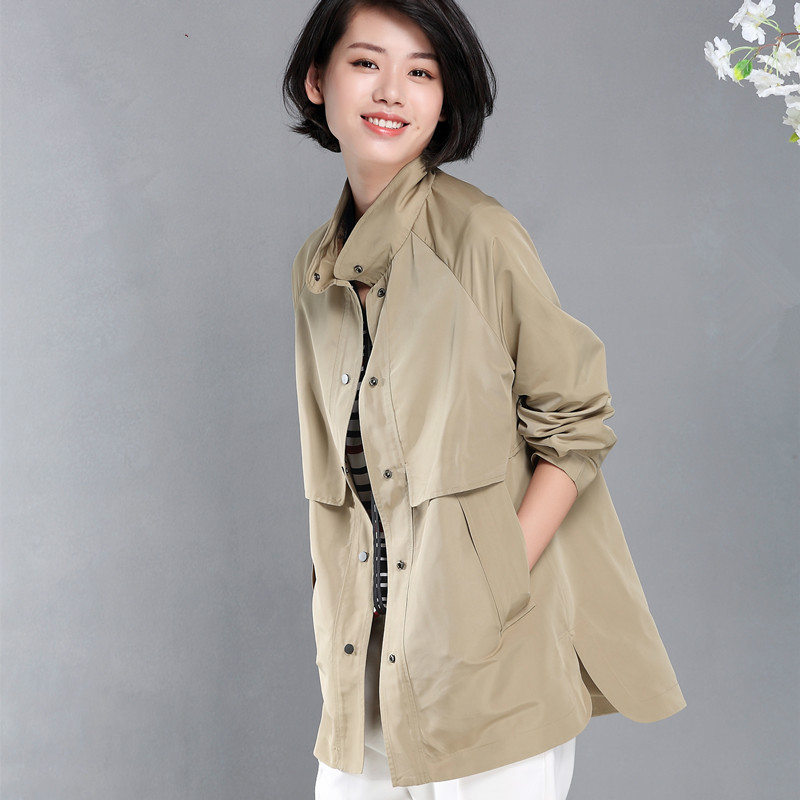 Middle-aged spring coat female new large size fat fat mother windbreaker thin spring and autumn Joker jacket