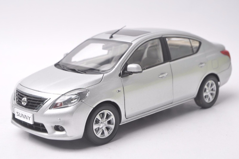 1:18 Diecast Model For Nissan Sunny Almera 2012 Silver Alloy Toy Car Miniature Collection Gifts Versa