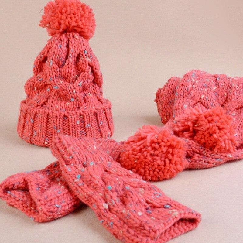 Ensemble tricoté bonnet écharpe mitaines