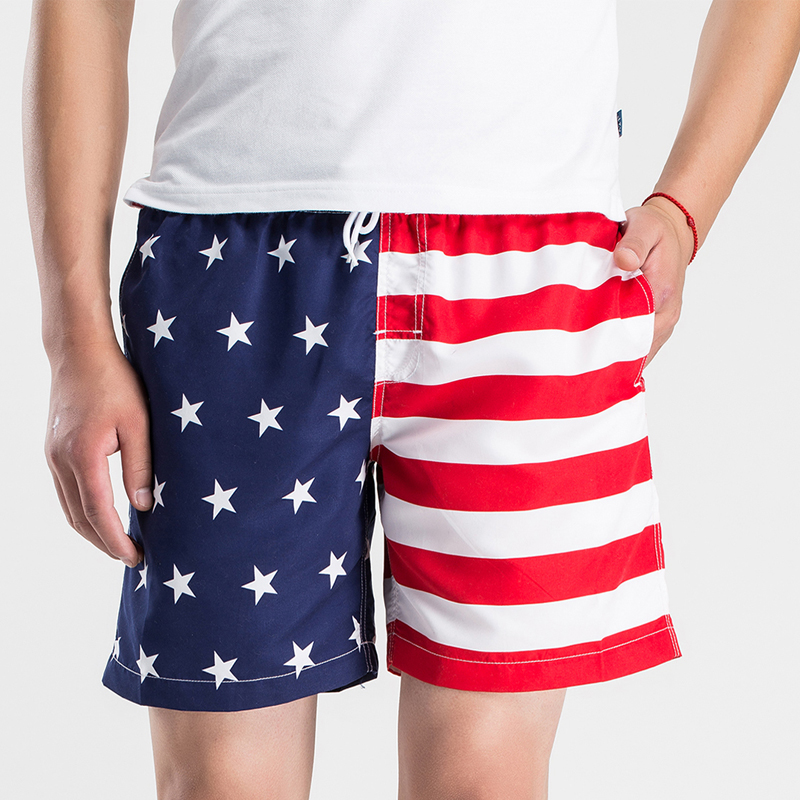 New arrival 2018 Summer outdoor Men's   shorts   for running striped stars flag quick dry   board     shorts   men surf beach   shorts