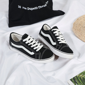2019 جديد المرأة عارضة حذاء قماش تشغيل في الهواء الطلق تنفس النسخة الكورية كل مباراة الأبيض شقة أسفل الملونة زوجين الأحذية