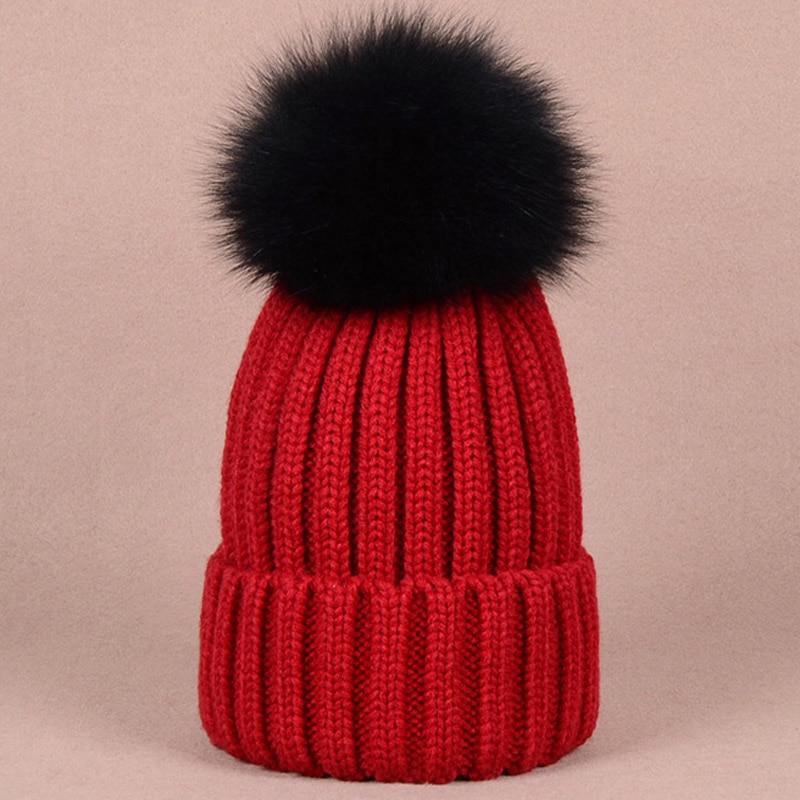 d43d0d3c3a9 Detalles acerca de Cálido Sombrero de Invierno Gorros elegante con calidad  de gran tamaño negro piel de perro mapache- mostrar título original