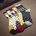 Diferentes cores de emenda individual impressão mulheres meias de Moda de Nova Feminino Sock meias de algodão Retro 5 pares/lote