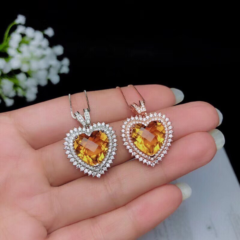 Shopkeeper's recommendation, the latest necklace, 925 pure silver Topaz necklace, lady's boutique, beautiful heart shape