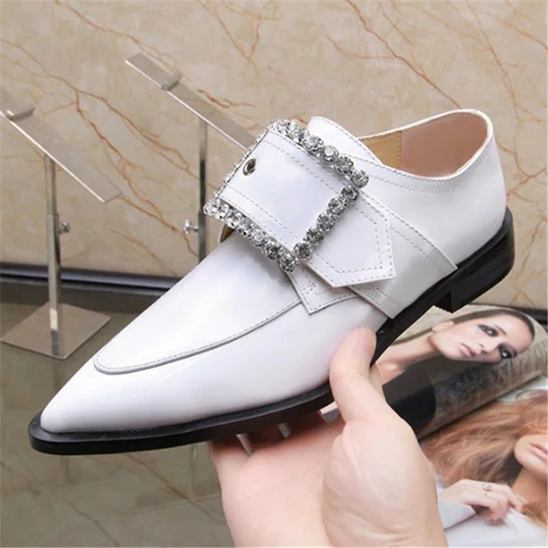 Plus Size 34-42 European Women Flats Patent Cow Leather Shoes Fashion Crystal Genuine Leather Pointed Toe Ladies Casual Shoes 2017 new fashion spring ladies pointed toe shoes woman flats crystal diamond silver wedding shoes for bridal plus size hot sale