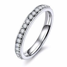 Color plata de acero inoxidable de titanio de cristal anillos de boda para las mujeres CZ rodean hombres anillo de joyería de moda al por mayor