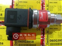 Original authentic AKS3000 Danfoss pressure transmitter 060G3958 for refrigeration and air conditioning