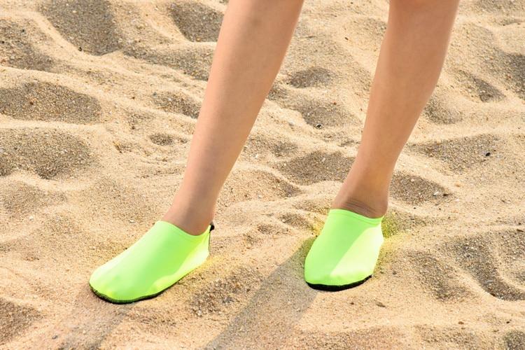 Men Women Aqua shoes Anti Slip Beach Shoes (38)