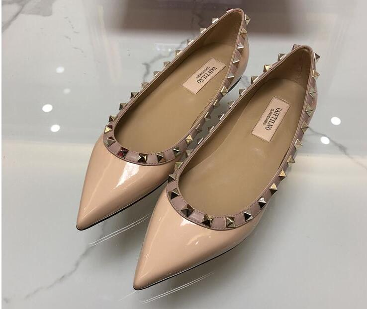 2019 spring new luxury design shoes Europe and America pointed rivets flat shoes women spring and autumn classic fashion shoes2019 spring new luxury design shoes Europe and America pointed rivets flat shoes women spring and autumn classic fashion shoes