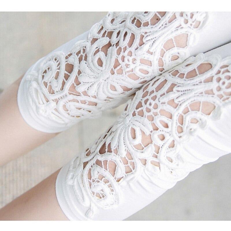 Female Short Leggings Summer Floral Cotton Leggings Women Hollow Out Fitness Leggings Slim White Black Casual Capris