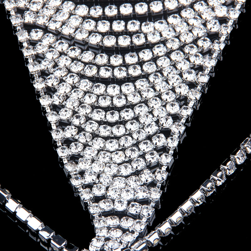 Wild Style 2019 Micro Bikini Body Chain Bar Diamond Bikini Fashion crystal thong crystal underwear Nightclub Party Beachwear in Two Piece Separates from Sports Entertainment