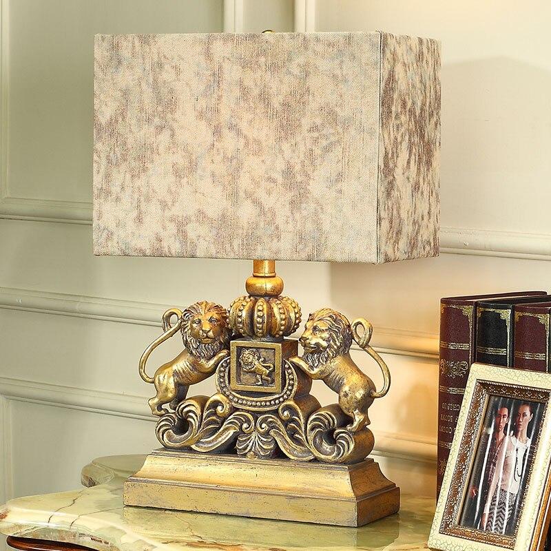 Роскошные ретро страны настольная лампа пара Золотые Львы роскошь спальня ночники Скульптура Смола украшения лампы Abajur светодиодные