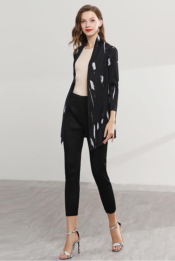 Miyake плиссированная короткая куртка летняя новая мода дикая оригинальная рубашка свободный платок для защиты от солнца Женская Бесплатная доставка sanzhai - 2