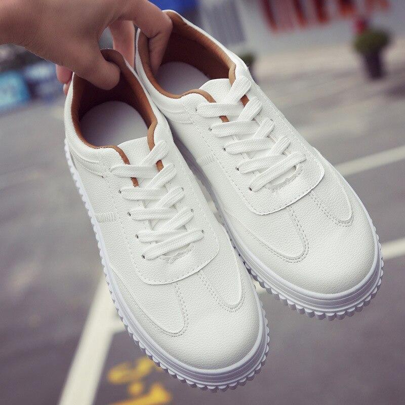 Nouveau 2018 Mode Blanc PU Chaussures En Cuir de Haute Plate-Forme Creepers Femmes Sneakers Femmes Casual Chaussures Formateurs de Marche Respirant