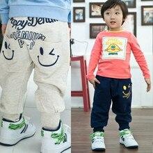 Популярная Милая Одежда для новорожденных мальчиков и девочек, уникальная одежда со смайликами штаны-шаровары длинные штаны детские От 2 до 7 лет с карманами и надписями