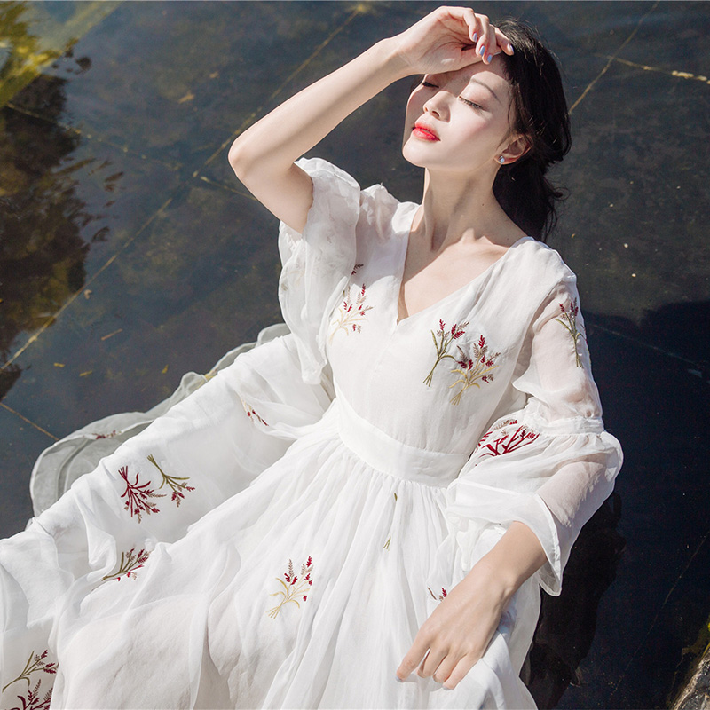 High Quality 2017 New Summer Female Embroidery Chiffon Long Maxi Beach Dress Womens Slim Elegant Flare