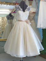 Vintage White Short Lace Wedding Dresses V Neck With Handmade Flower Waist Wedding Party Dresses Beach