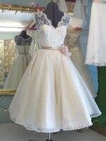 Vintage White Short Lace Wedding Dresses V Neck With Handmade Flower Waist Wedding Party Dresses Beach