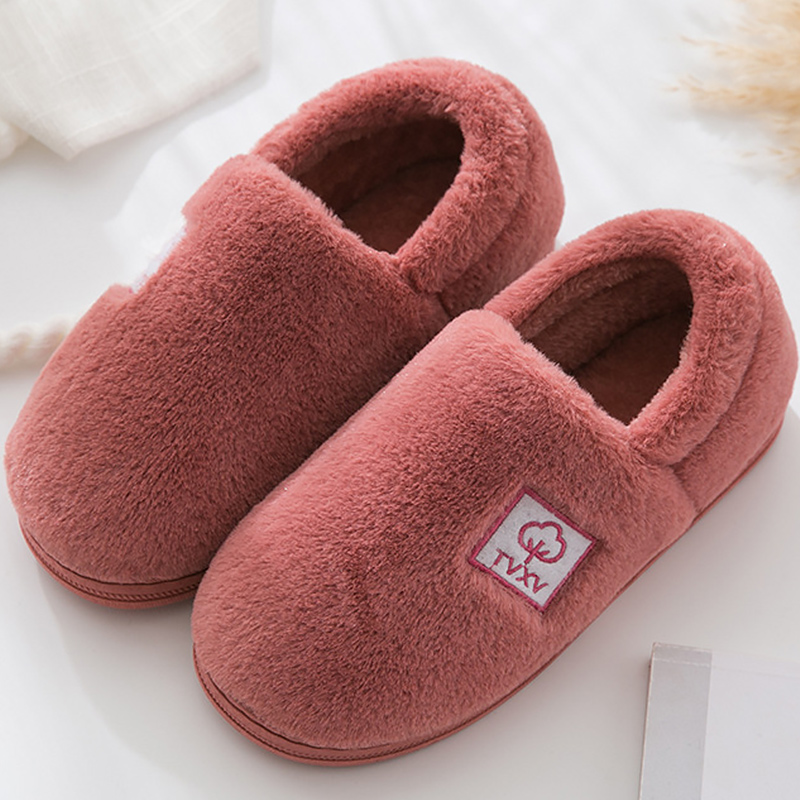 все цены на Indoor slippers plush winter woman slippers sewing soft non-slip fluffy slippers for women damping warm female shoes онлайн