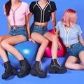 2016 verão estilo americano curto Tops Lady moda bordados UNIF malha T Shirts mulheres Casual Sexy profundo decote em V Zipper Tops